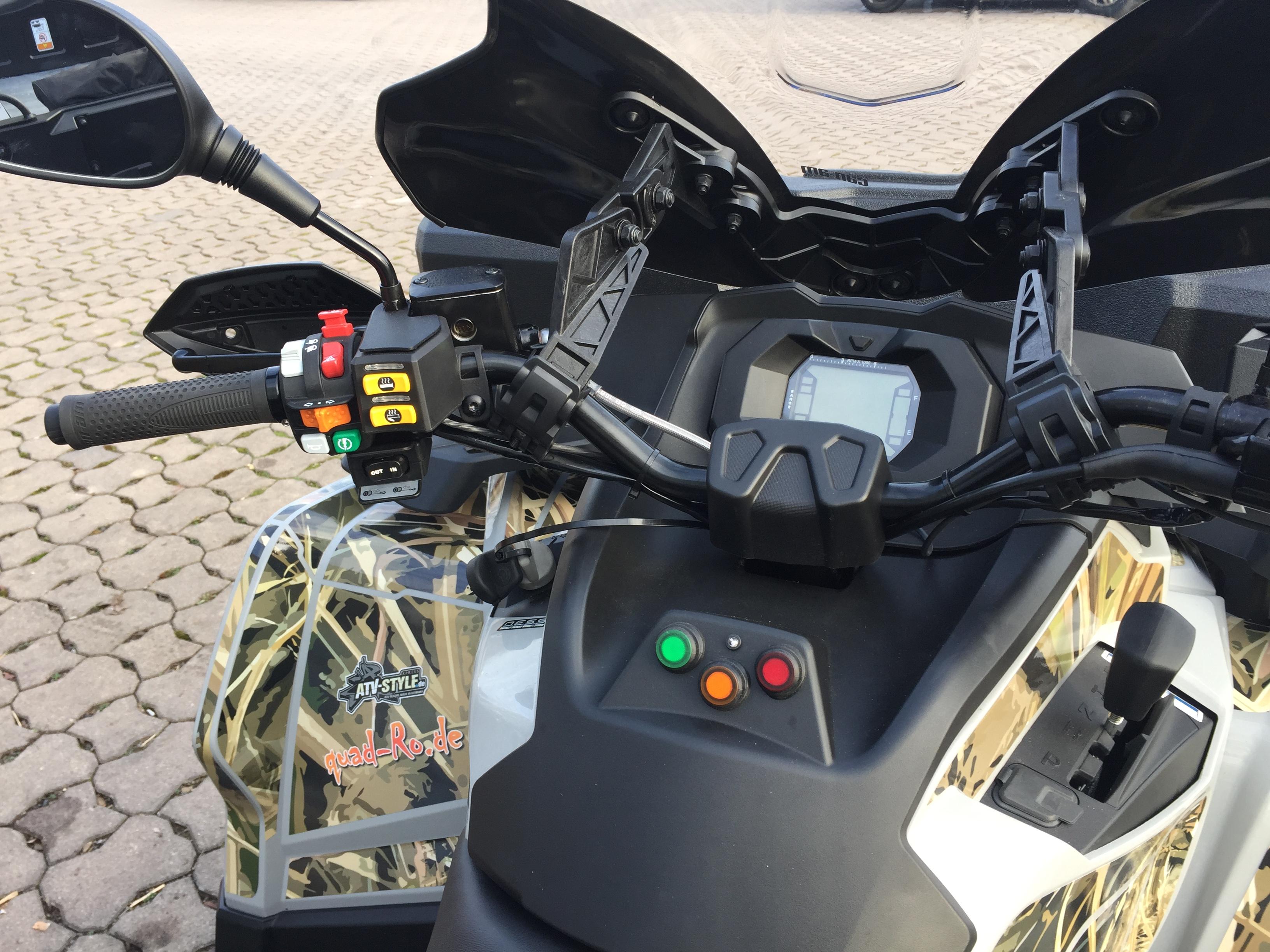 Can Am Outlander 6x6 Cockpit