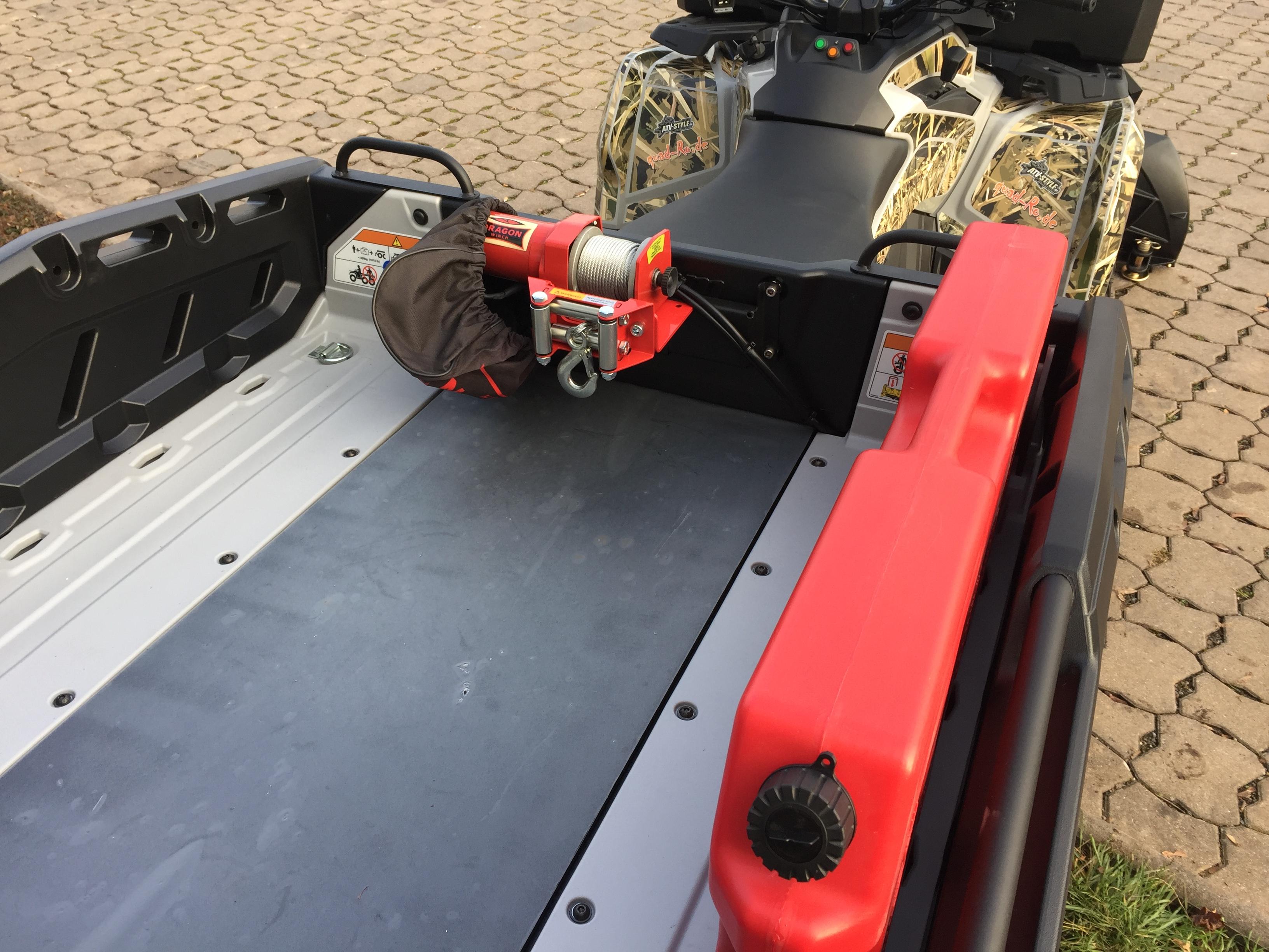 Can Am Outlander 6x6 Wasserkanister Seilwinde
